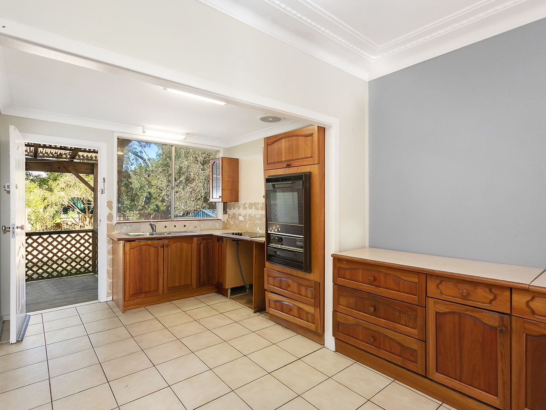 41 Warner Avenue, Tuggerawong NSW 2259, Image 1