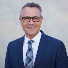 Damien Steele, Sales representative