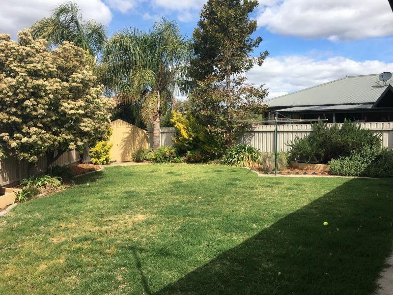 14 Woomera Place, Glenfield Park NSW 2650, Image 6