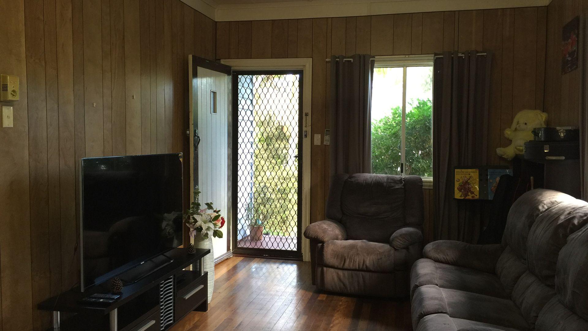 56 Graceville Avenue, Graceville QLD 4075, Image 2