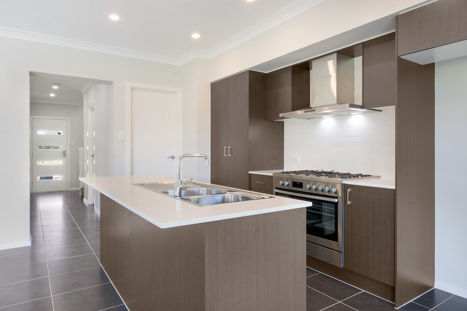 33 Learoyd Road, Edmondson Park NSW 2174, Image 0