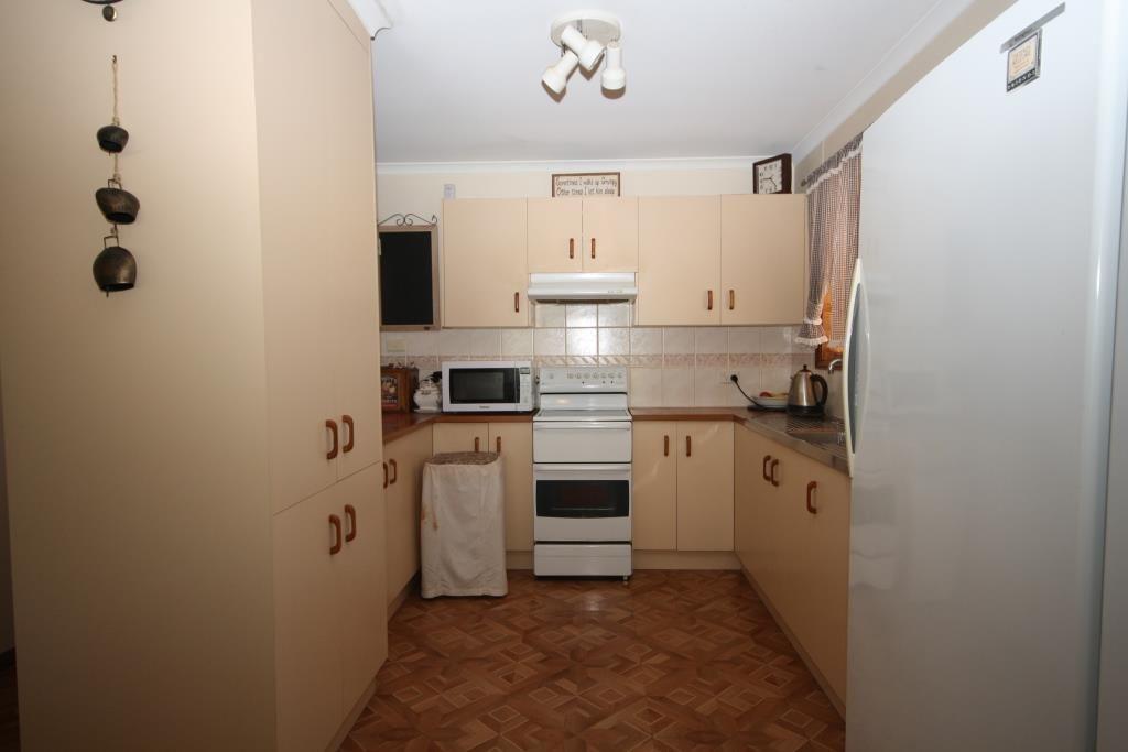 10 Alma Street, Wee Waa NSW 2388, Image 2