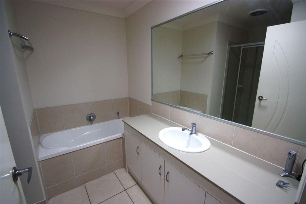 34 Valda Ave, Coomera QLD 4209, Image 9