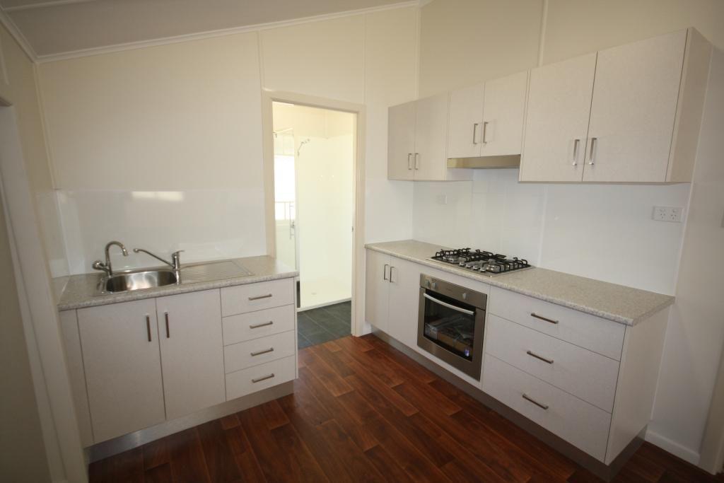 25 Stuart-Russell Street, Mundubbera QLD 4626, Image 2