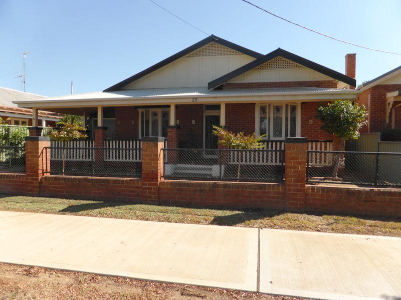 28 Victoria Street, Parkes NSW 2870, Image 0