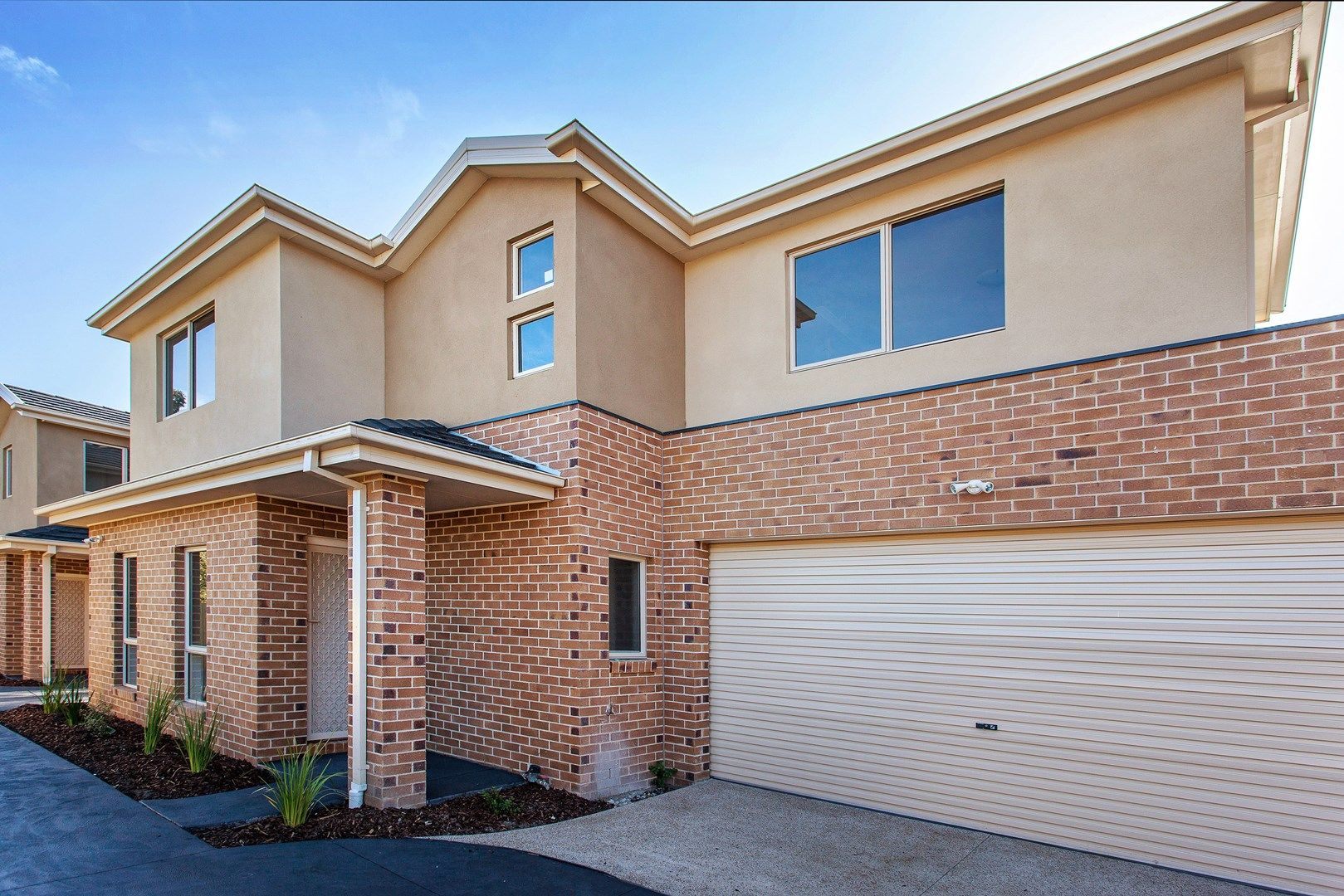 2/8 Leman Crescent, Noble Park VIC 3174, Image 0