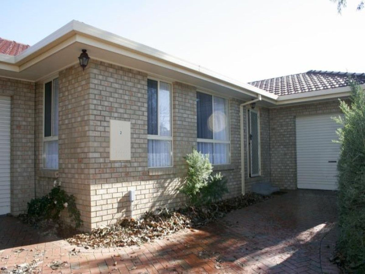 2/14 Willow Court, Sale VIC 3850, Image 0
