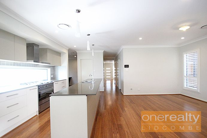 14 Aspinall St, Potts Hill NSW 2143, Image 2