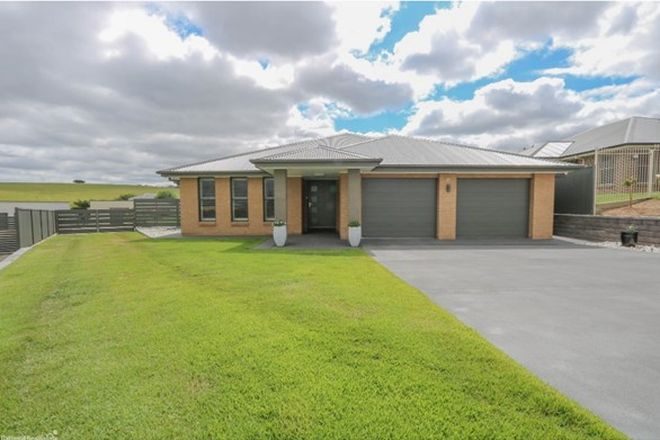 Picture of 27 Coolabah Close, KELSO NSW 2795