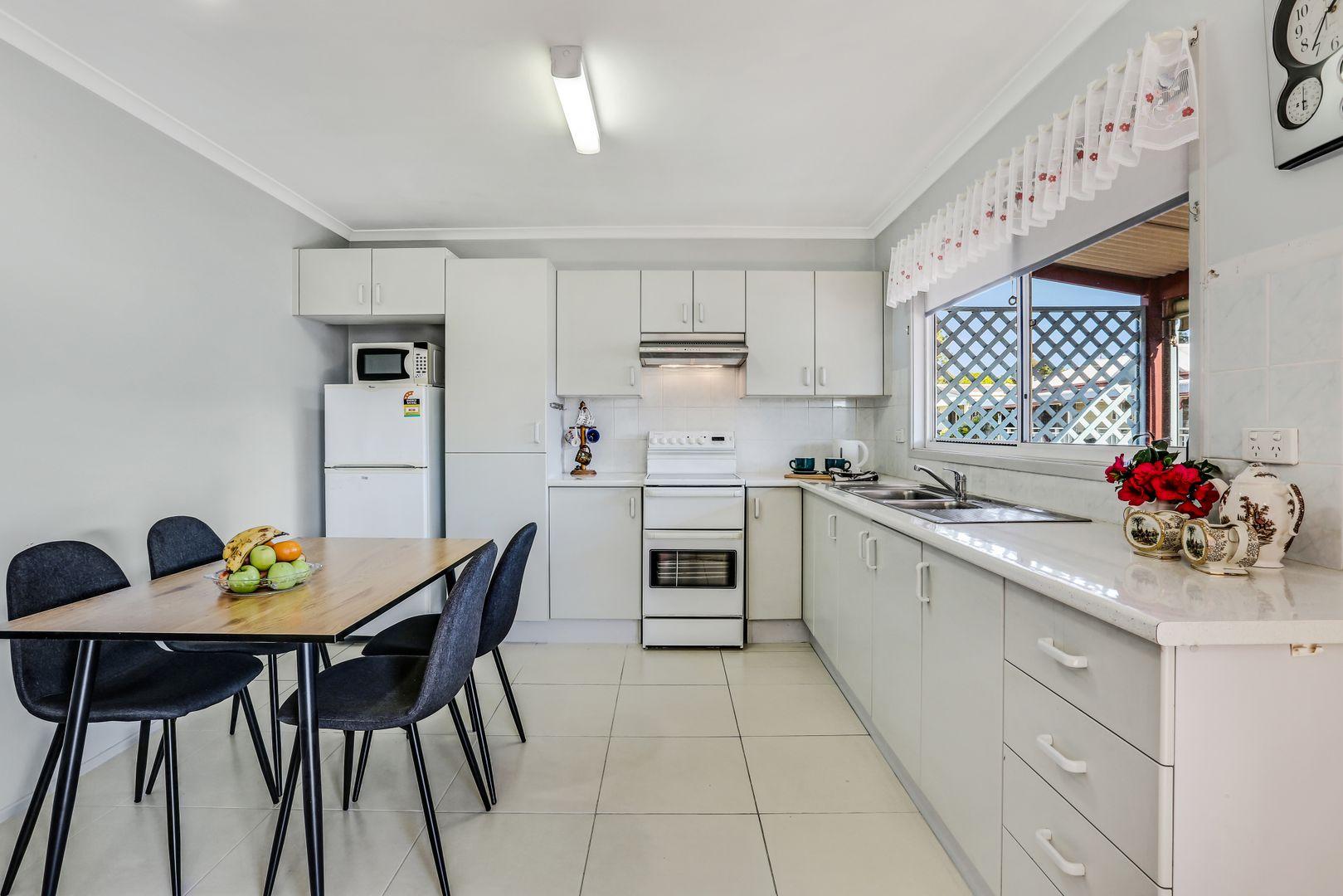 62 Angophora Crescent, Kanahooka NSW 2530, Image 2