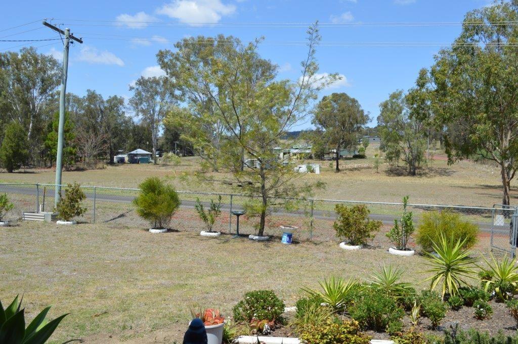 11 Barr St, Hivesville QLD 4612, Image 2
