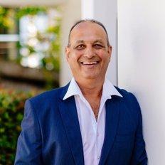Gurk Singh, Sales representative