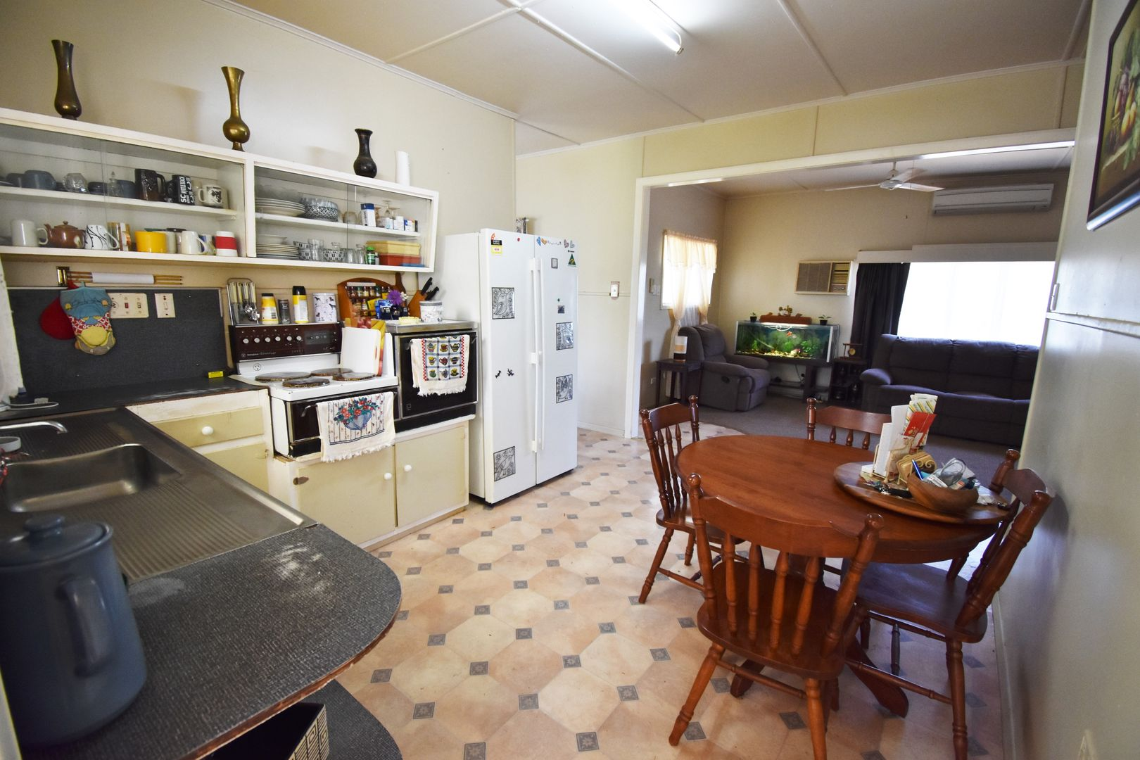 40 Galah Street, Longreach QLD 4730, Image 2