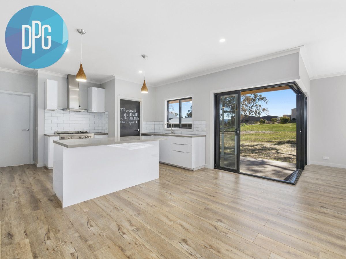 5 Donovans Way, Mansfield VIC 3722, Image 1