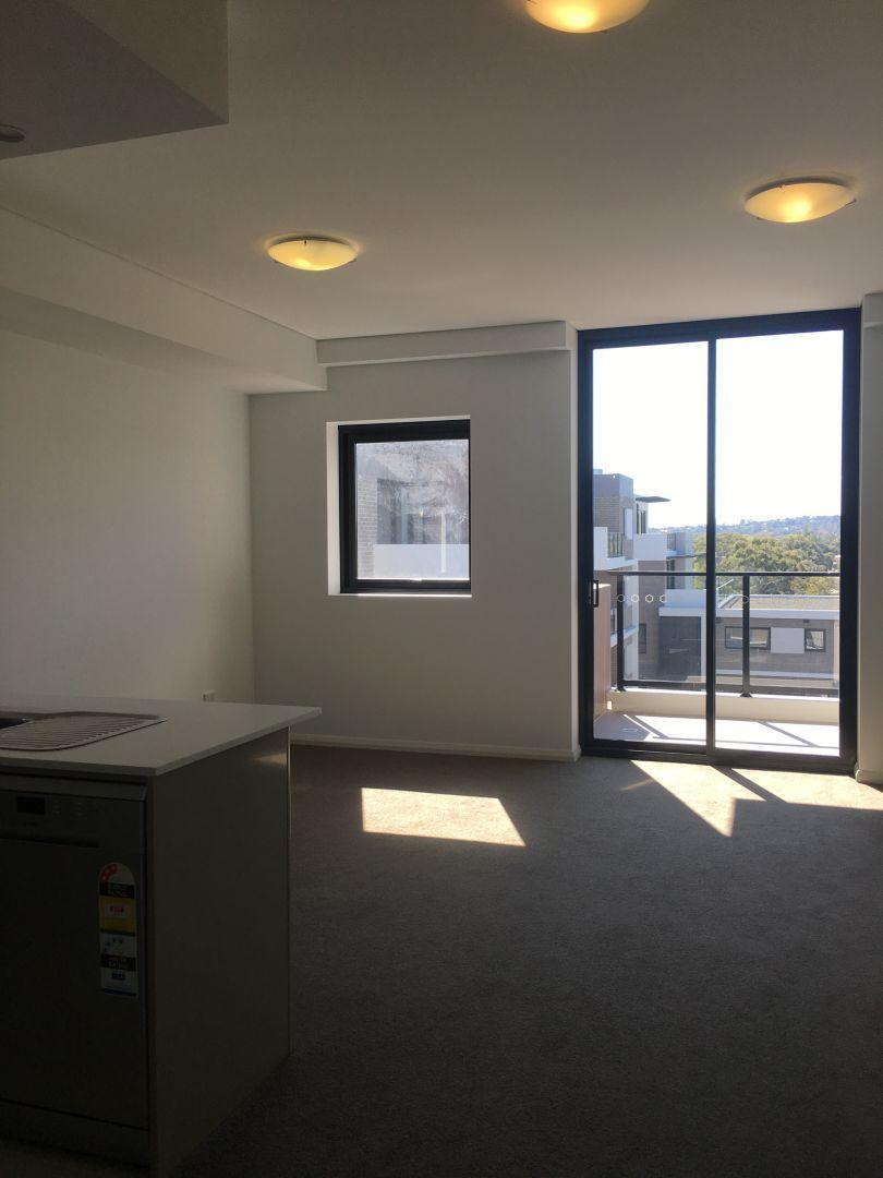 7060/2E Porter Street, Ryde NSW 2112, Image 2