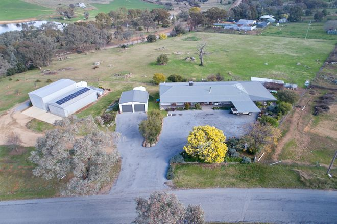Picture of 15 Tathra Drive, JUNEE NSW 2663