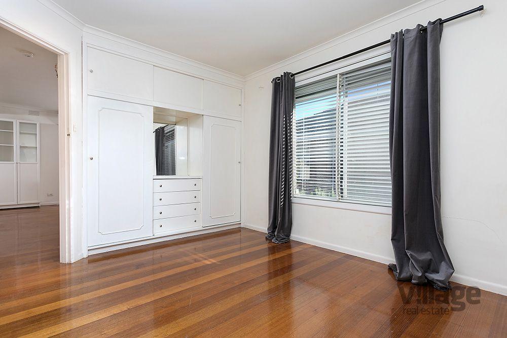 2/10 Barnet Street, Yarraville VIC 3013, Image 2