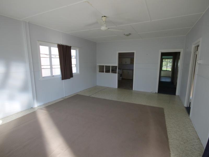 14 Miles Street, Berserker QLD 4701, Image 2