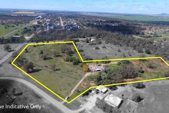 Picture of 15 Centenary Road, BARELLAN NSW 2665