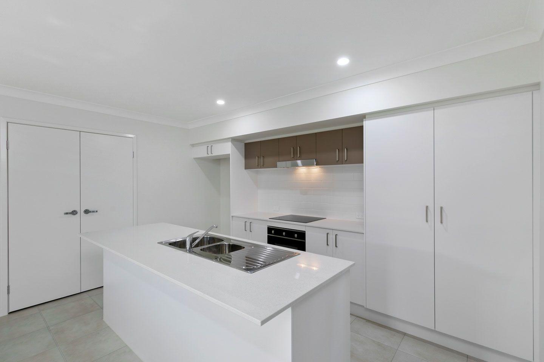 4 Senor Avenue, Urangan QLD 4655, Image 1