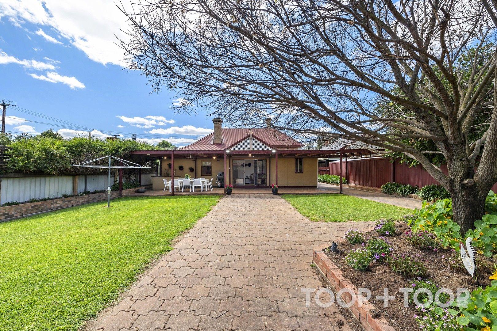 4 bedrooms House in 2-3 Aroha Terrace FORESTVILLE SA, 5035