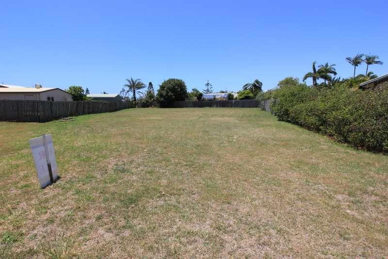4 Blake Close, Coral Cove QLD 4670, Image 2