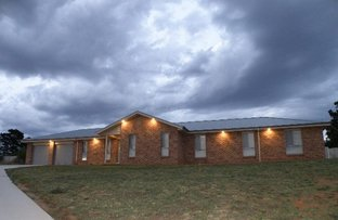 13 Giugni Place, Young NSW 2594