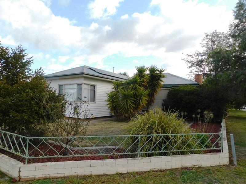 1063 Calimo Street, North Albury NSW 2640, Image 0