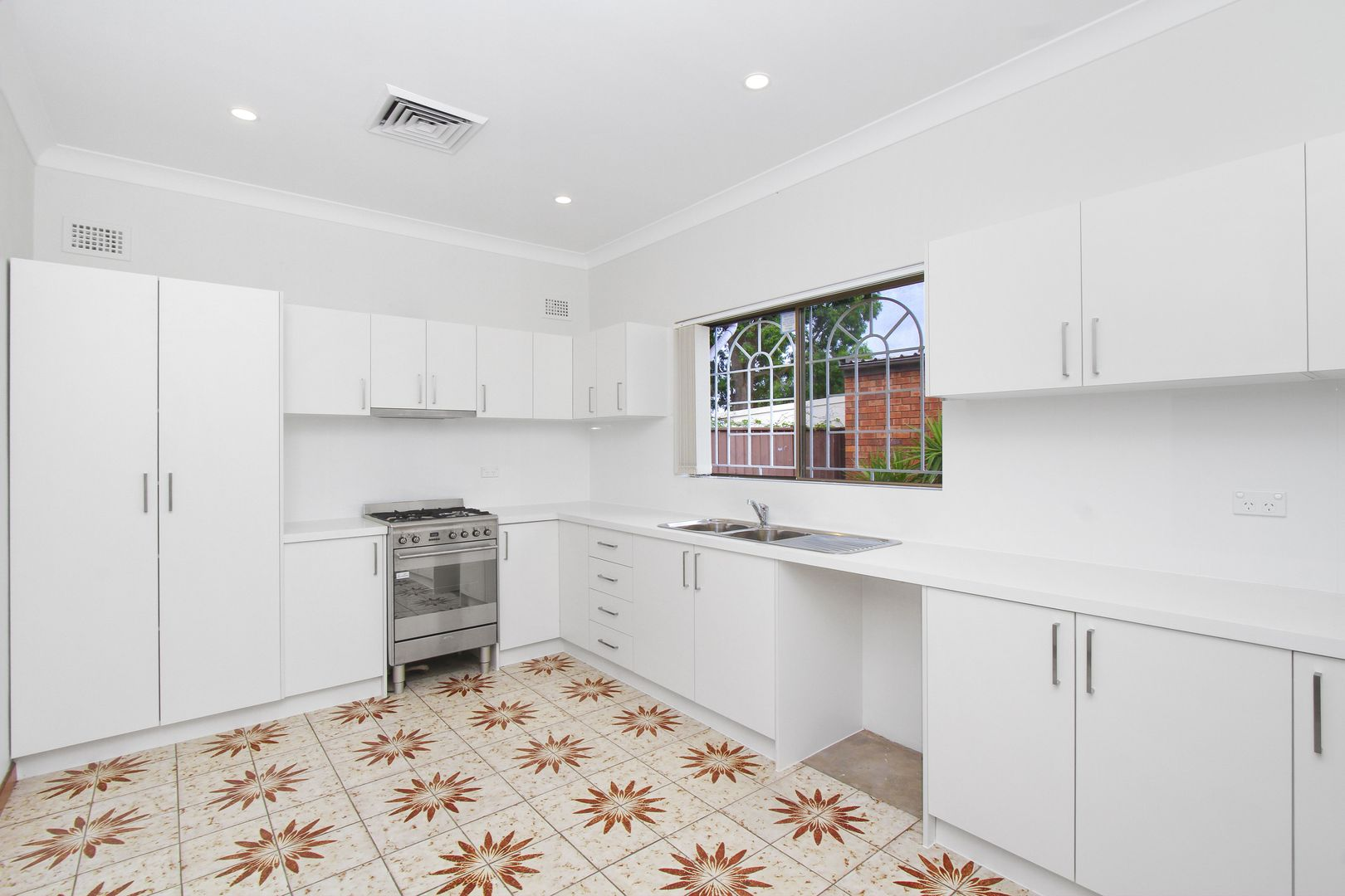 2 Rosemeath Avenue, Kingsgrove NSW 2208, Image 2
