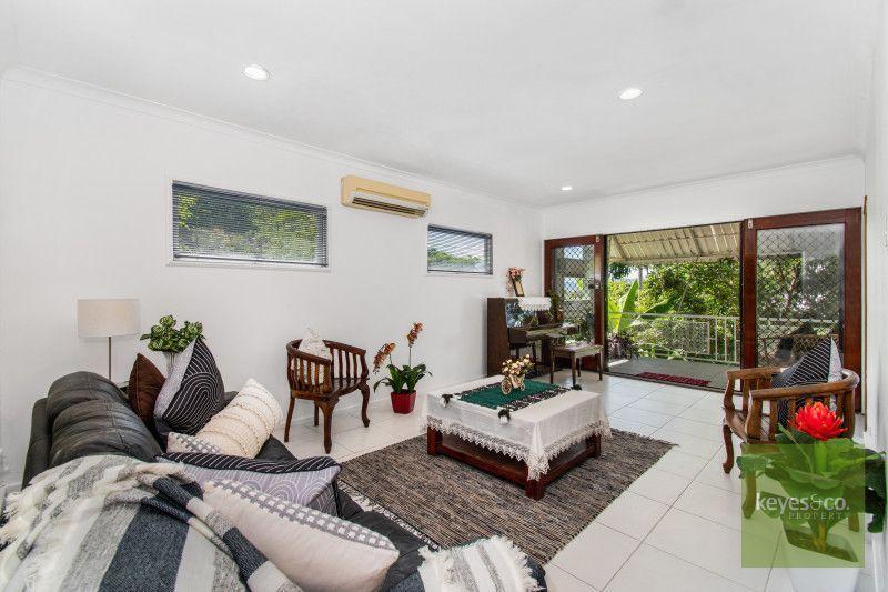 10 Gilbert Crescent, Castle Hill QLD 4810, Image 2