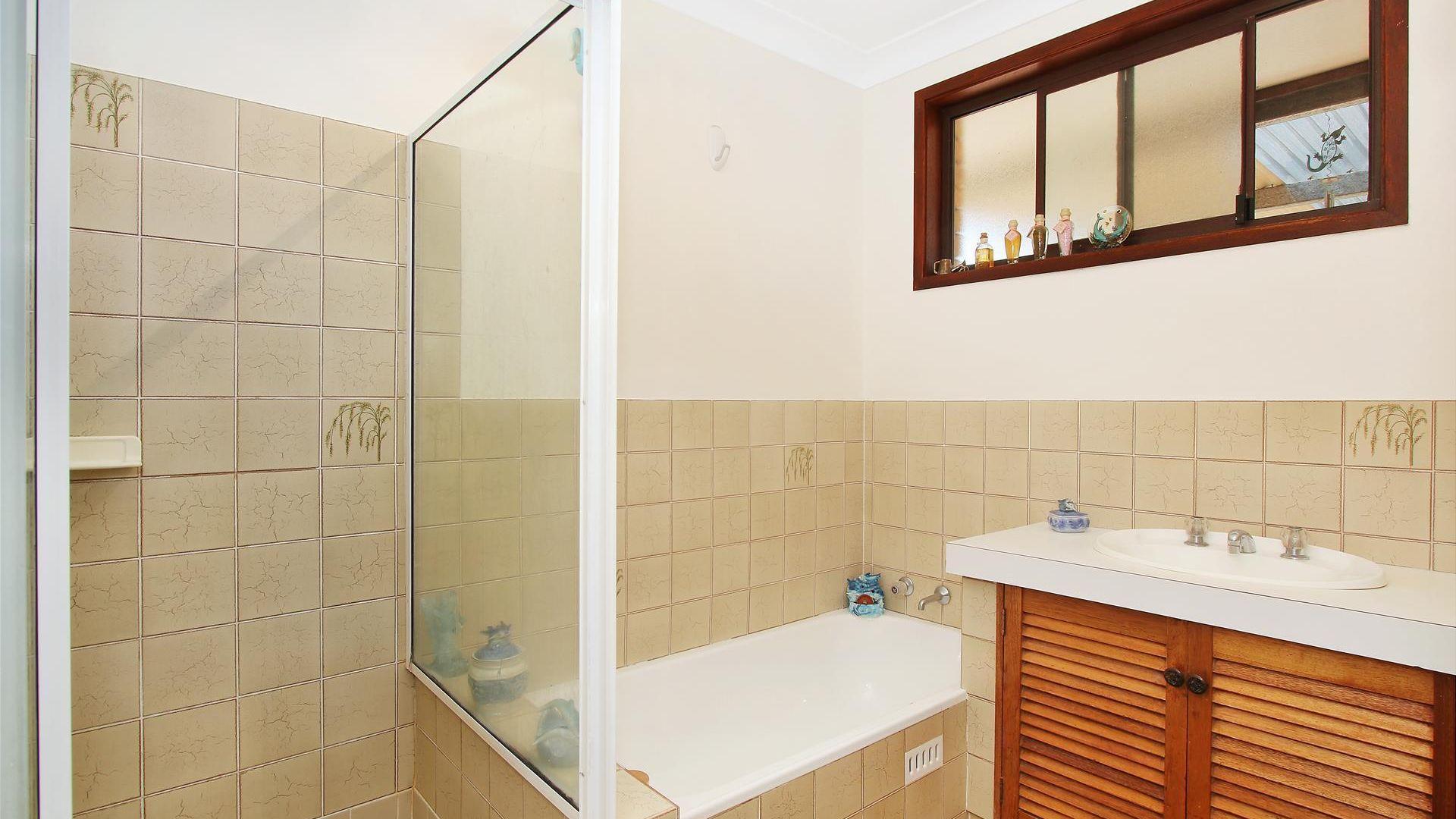 16 Angela Street, Tamworth NSW 2340, Image 2