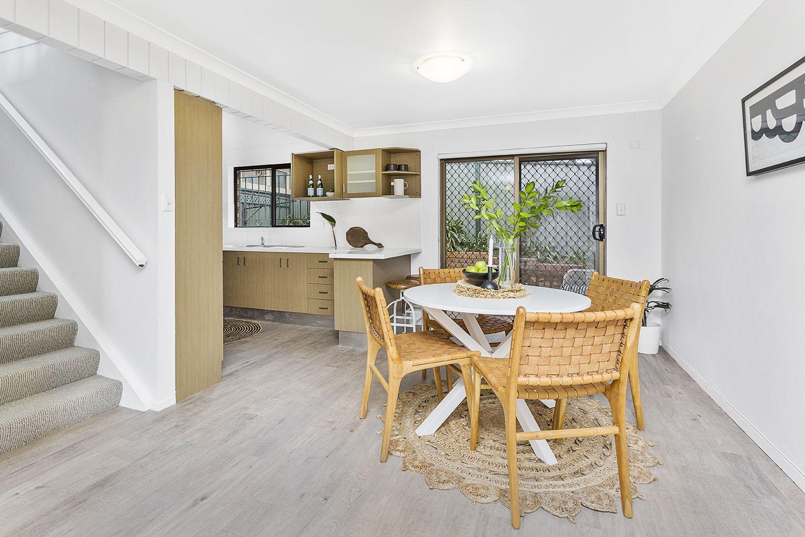 4/3 Powell Street, Mangerton NSW 2500, Image 1