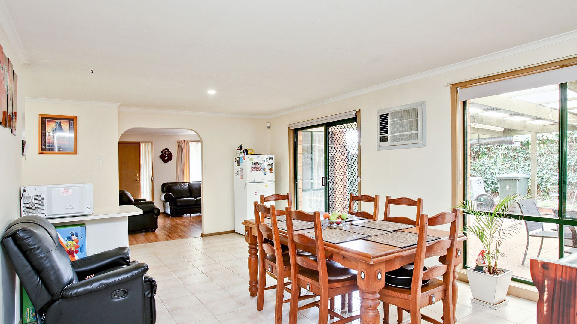 2 Quarrion Court, Hoppers Crossing VIC 3029, Image 2
