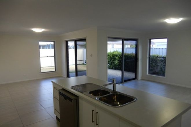 Picture of 1/9 Sandown Street, EMERALD QLD 4720