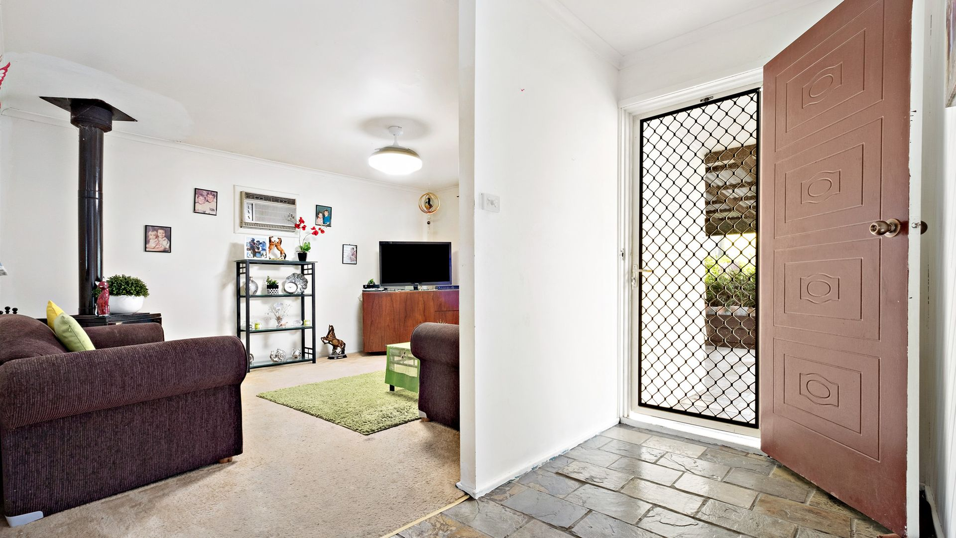 4 Amsdale  Avenue, Macquarie Hills NSW 2285, Image 2