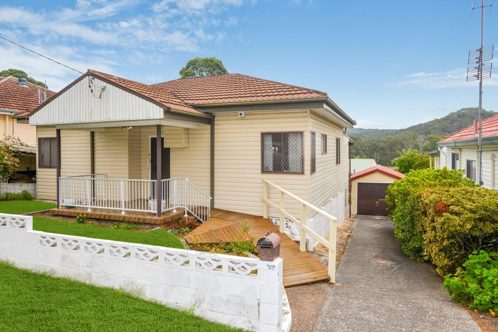12 Campbell Street, North Gosford NSW 2250, Image 0
