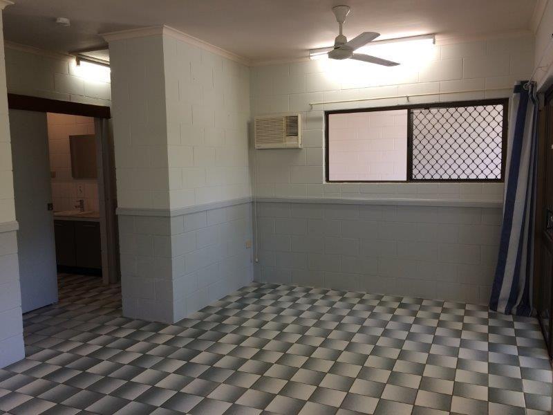 2/10 Cooya Beach Road, Cooya Beach QLD 4873, Image 1