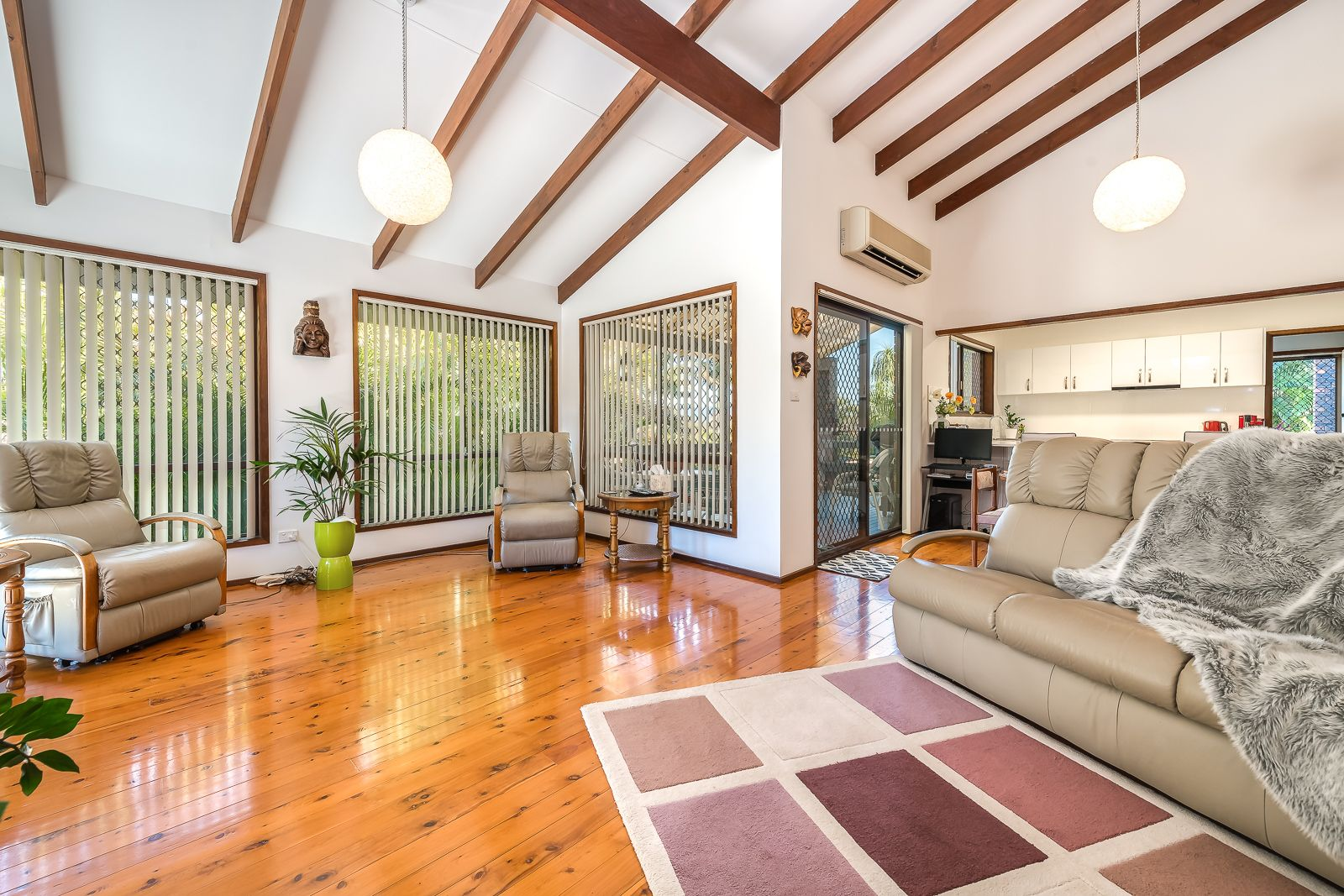 34 Freda Street, Ashmore QLD 4214, Image 2