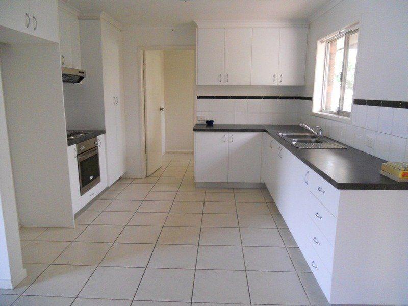 11 Dancer Street, Collingwood Park QLD 4301, Image 2