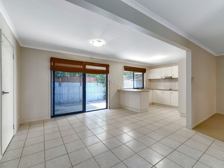 2/5 Slater Avenue, Lawnton QLD 4501, Image 2