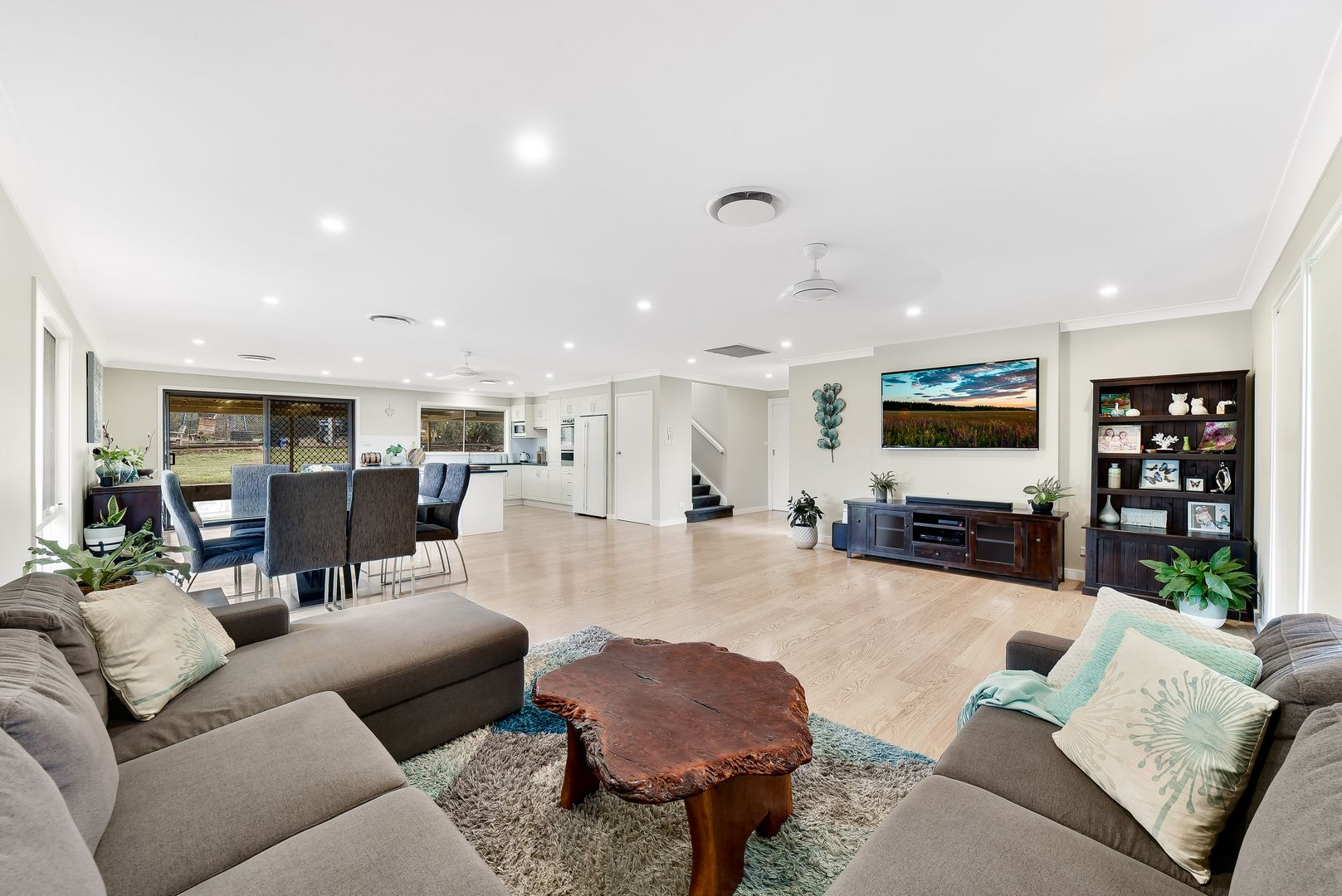 6 Dundee Place, St Andrews NSW 2566, Image 0