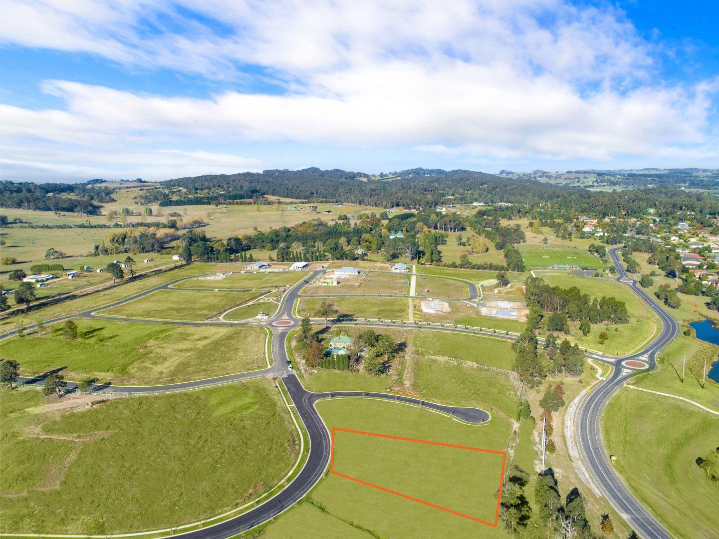 11 Sir James Fairfax Circuit, Bowral NSW 2576, Image 1