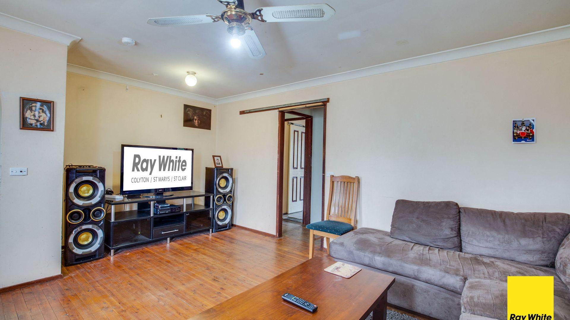 56 Bennett Road, Colyton NSW 2760, Image 2