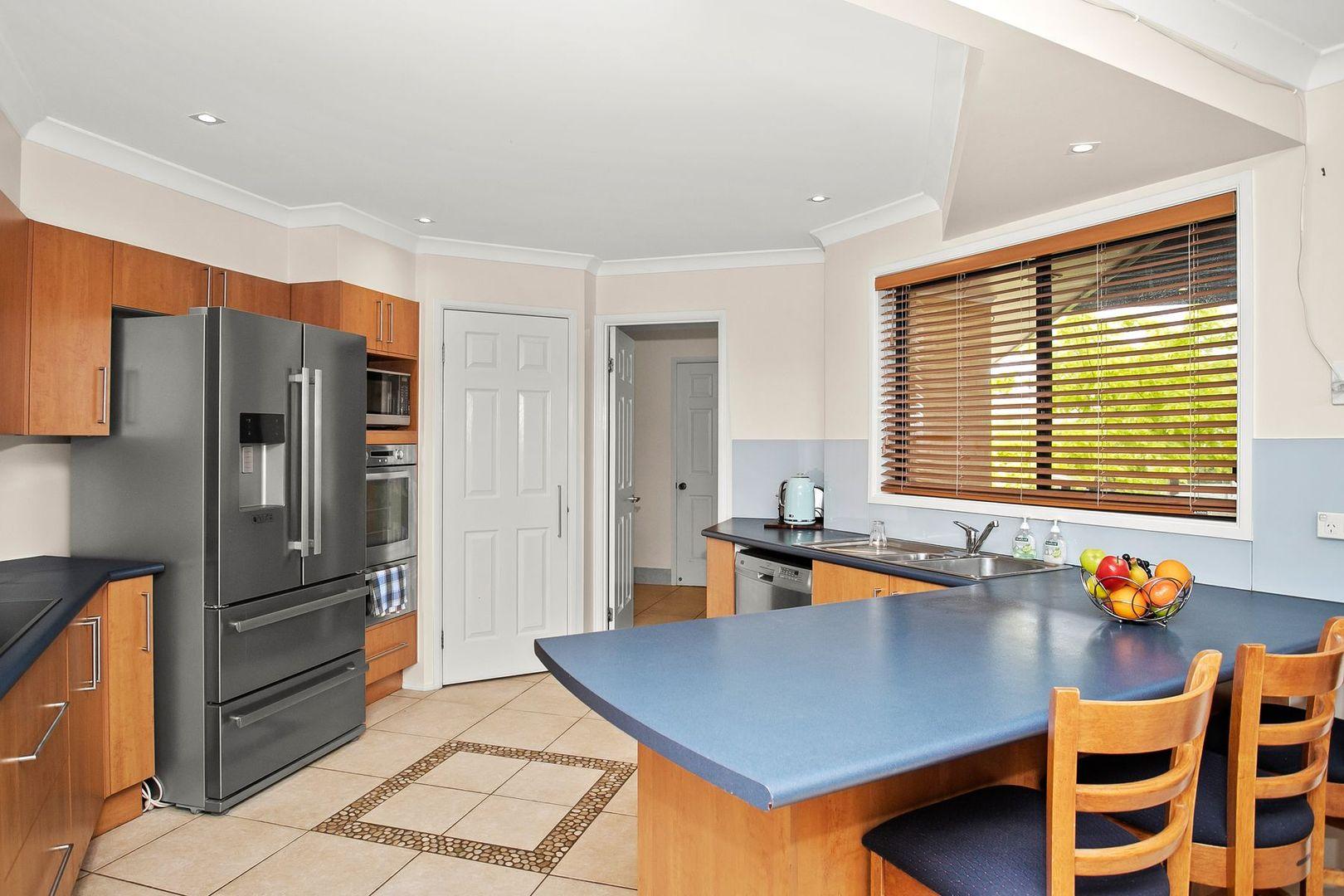 7 Leichhardt Place, Sunshine Bay NSW 2536, Image 2