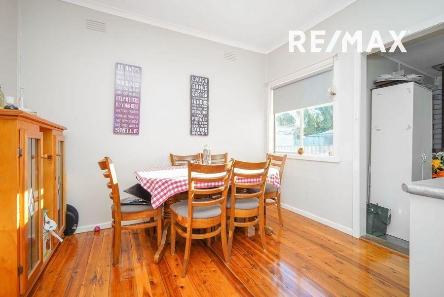 53 Tichbourne Crescent, Kooringal NSW 2650, Image 2