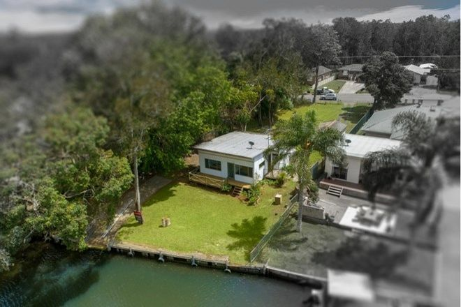 Picture of 106 Geoffrey Road, CHITTAWAY POINT NSW 2261
