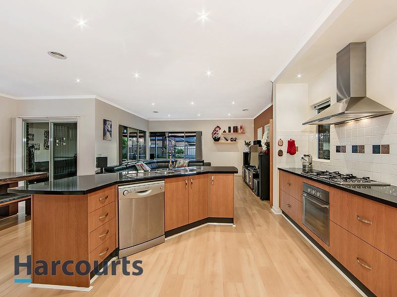 29 Kingsbridge Circuit, Cairnlea VIC 3023, Image 0