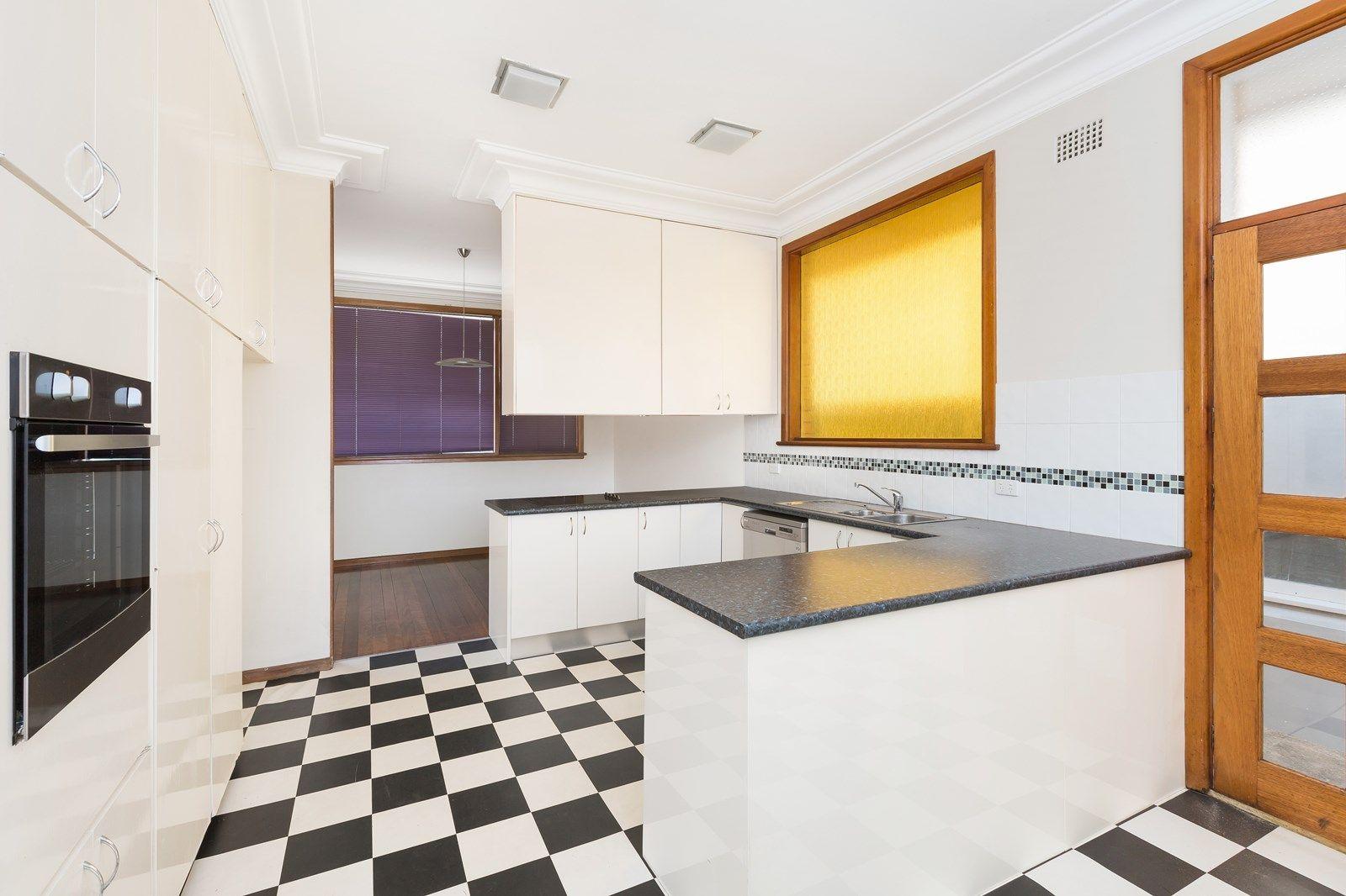 19 Queanbeyan  Avenue, Miranda NSW 2228, Image 3