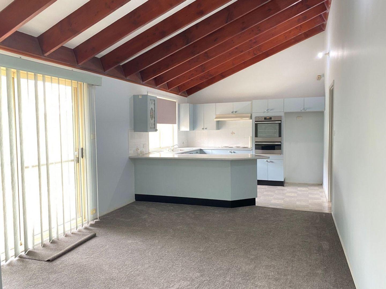 9 Stilt Avenue, Cranebrook NSW 2749, Image 2