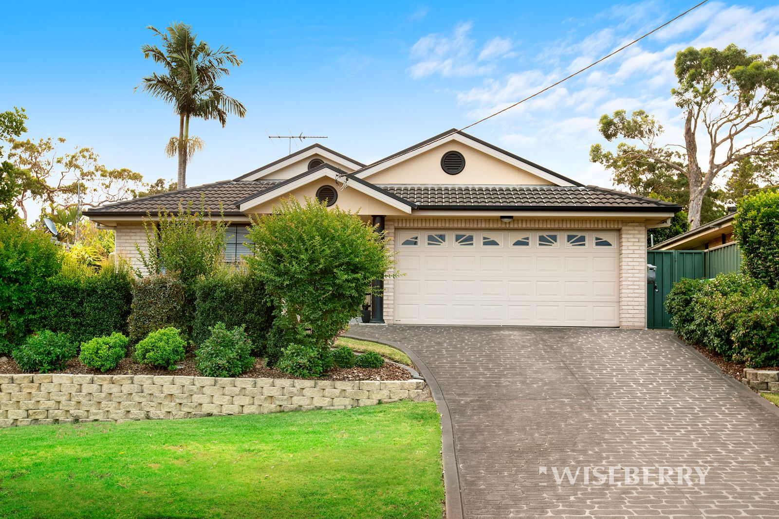 39 Elabana Avenue, Chain Valley Bay NSW 2259, Image 0